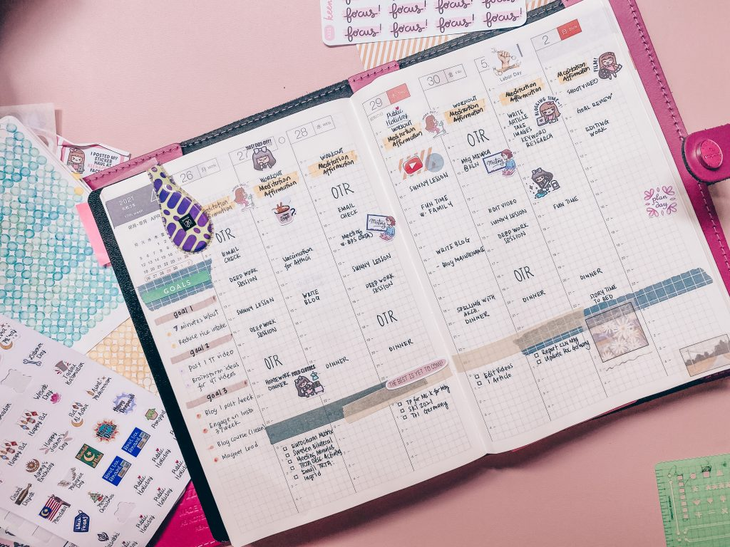 plan your day with hobonichi cousin